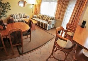 Domotel TM LUX - Apartament dla max.6 os. w centrum Tomaszowa Maz.