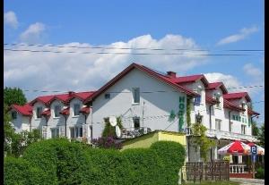 Hotel* Pod Świerkiem